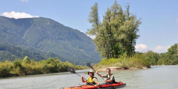 mit dem Kanu auf der Drau unterwegs