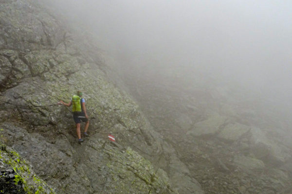 3 Einige Seilversicherte Stellen sind zu meistern Kreuzeck Höhenweg Schütt