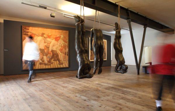 Albin Egger-Lienz, Totentanz (3. Fassung, Kärntner Landesmuseum) und Lois Anvidalfarei, Ecce homo (c) Zita Oberwalder